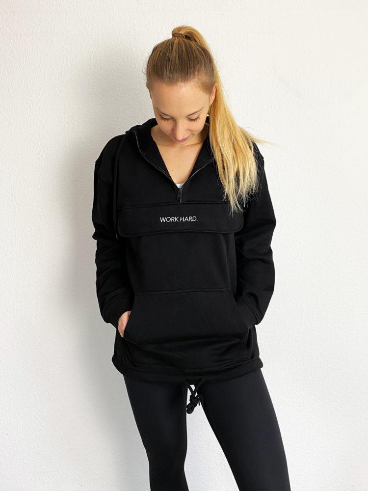 zipper hoodie schwarz mit feinem Stick work hard